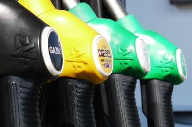 Petrol pumps Pixabay