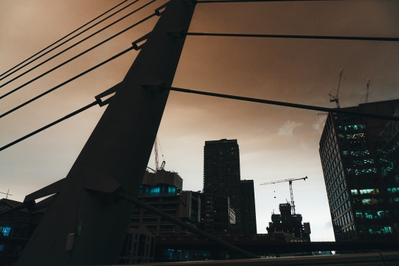 shutterstock_The sun has turned red over London today..jpg