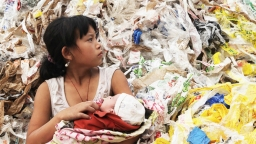 Plastic China: Sorting Plastic, Sorting People